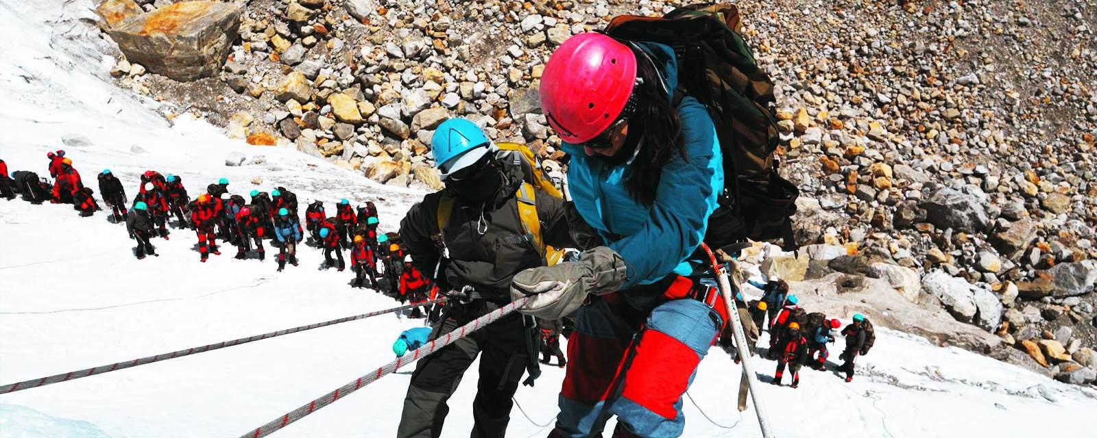 rope-climbing-glacier